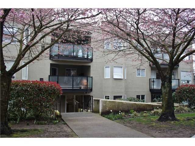Harbour Court   --   175 E 4 ST - North Vancouver/Lower Lonsdale #1