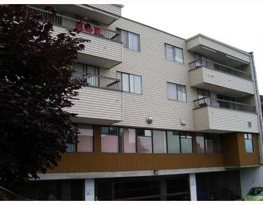 King's Court   --   105 W KINGS RD - North Vancouver/Upper Lonsdale #1