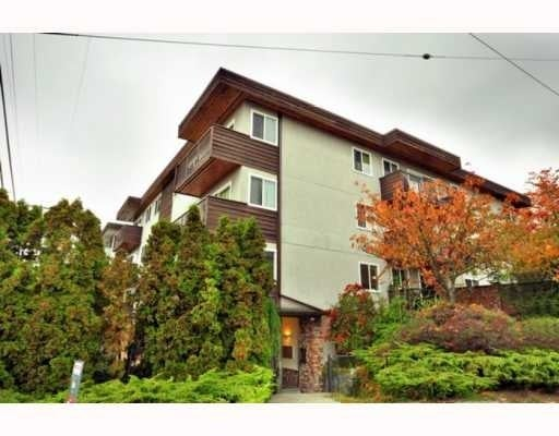 Woodburn Place   --   241 ST ANDREWS AV - North Vancouver/Lower Lonsdale #1