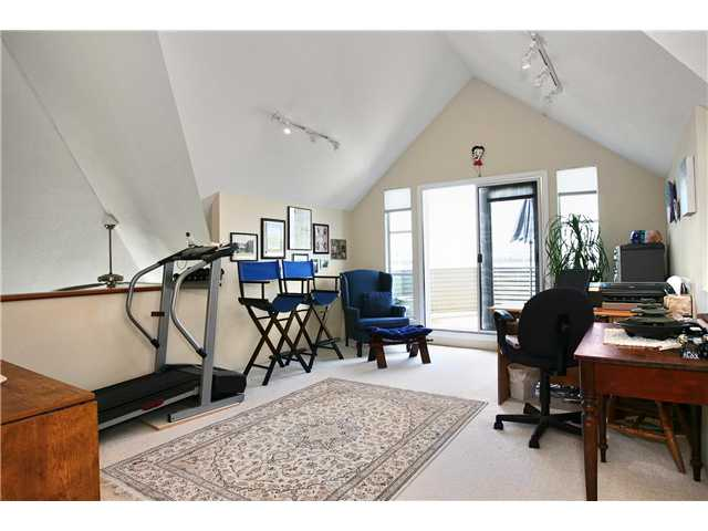 # A2 240 W 16TH ST - Central Lonsdale Townhouse for sale, 3 Bedrooms (V837938) #4
